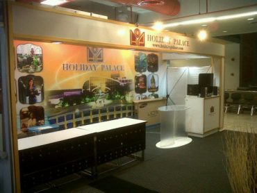 HOLIDAY PALACE Booth