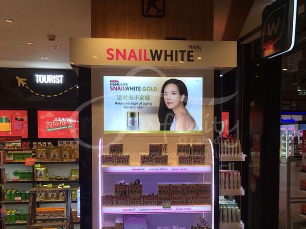 snailwhite-kiosk-the-market-rachadumri-3333